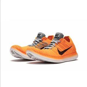 Nike Free RN Flyknit Orange Running Shoes Sz 7.5